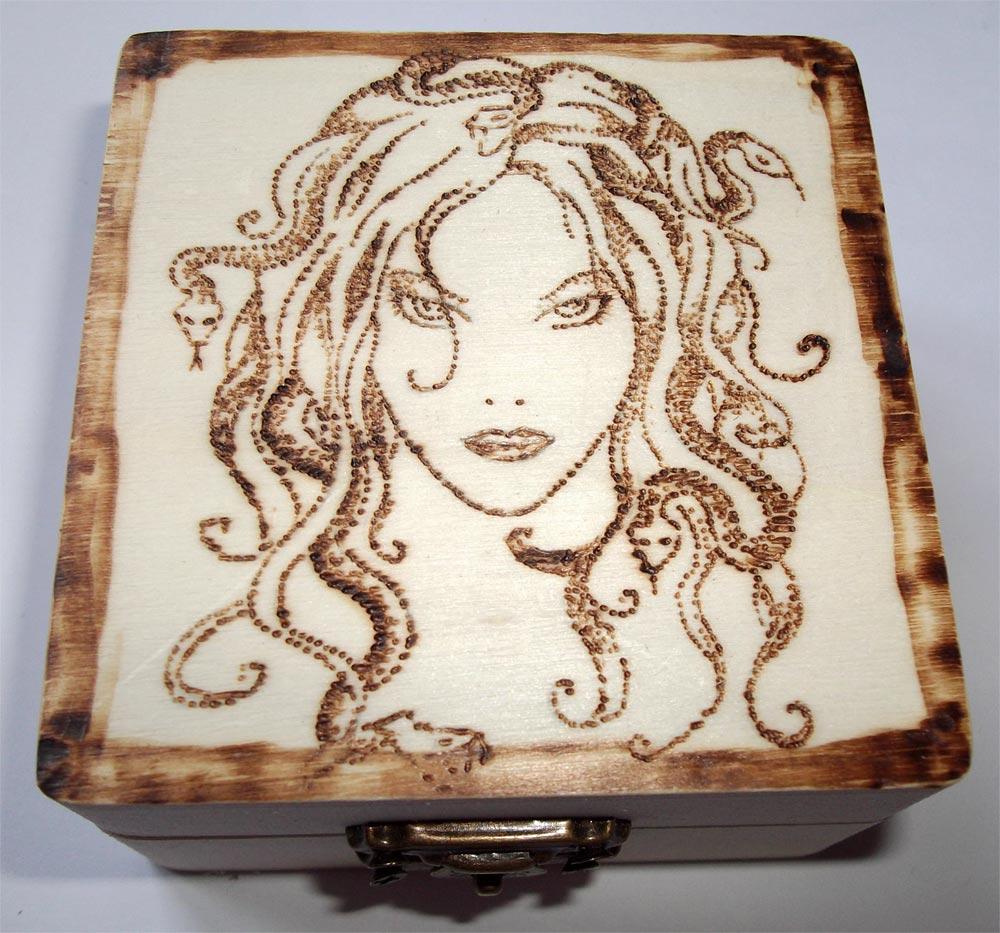 Amato Pirografia su legno: artigianato artistico JS09